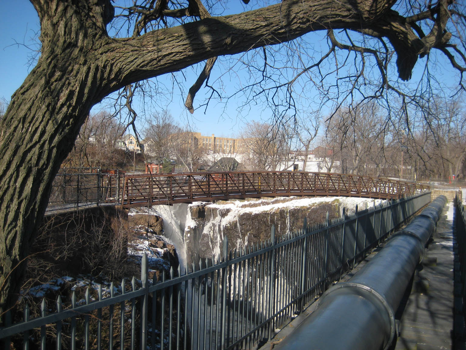 Paterson_Falls_Walkway