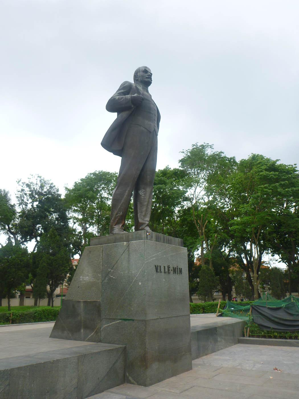 lenin-statue-hanoi