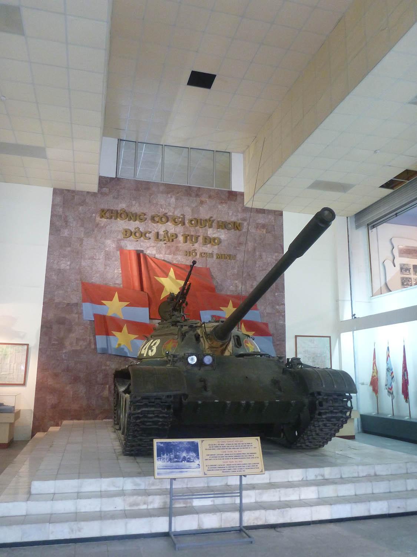 tank-saigon