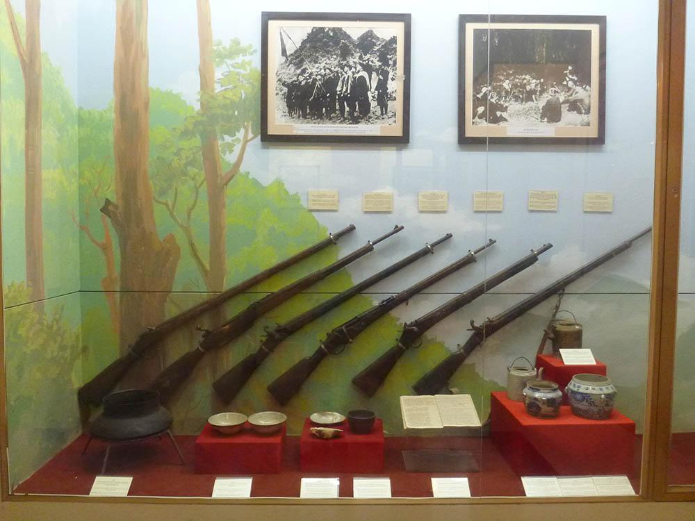 vietnam-ww2-resistance-rifles