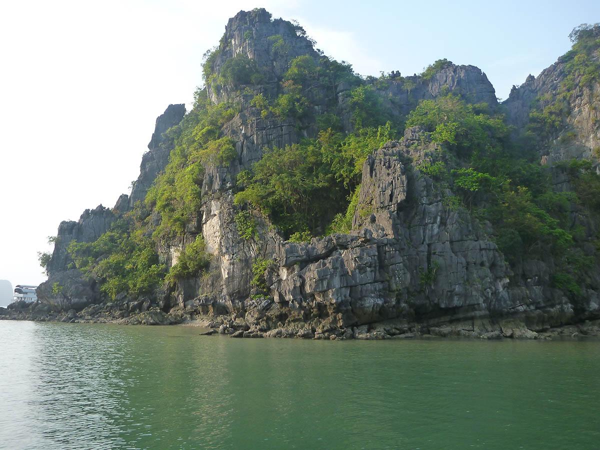 ha-long-bay-rock