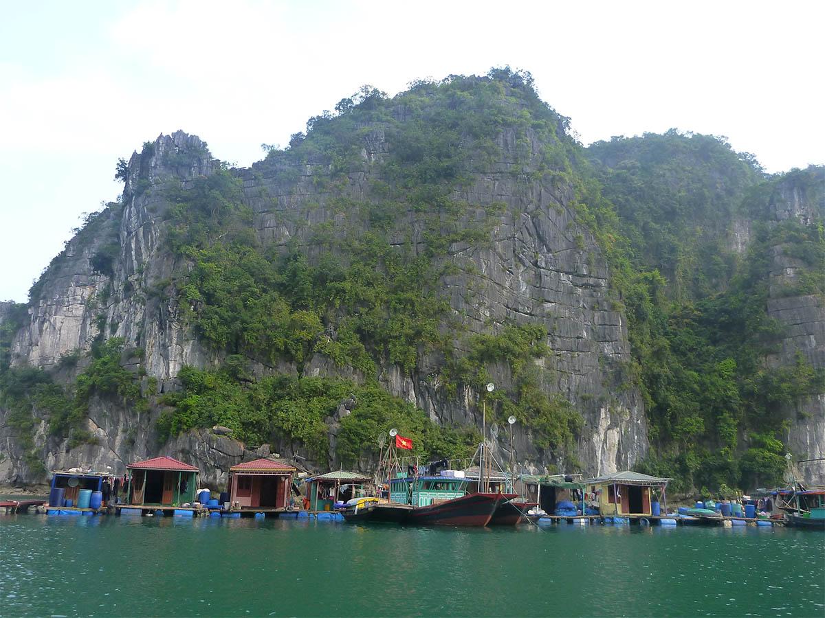 vung-vieng-boat