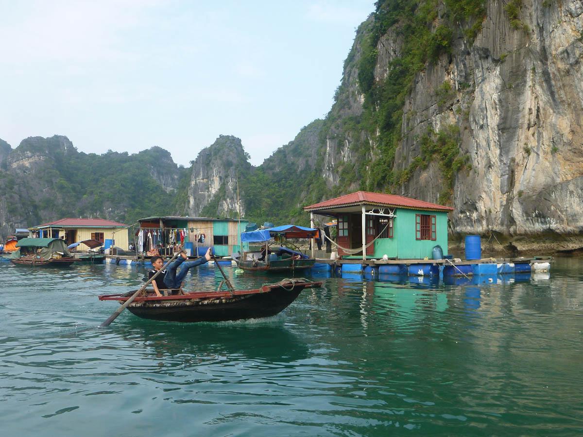 vung-vieng-foot-paddle