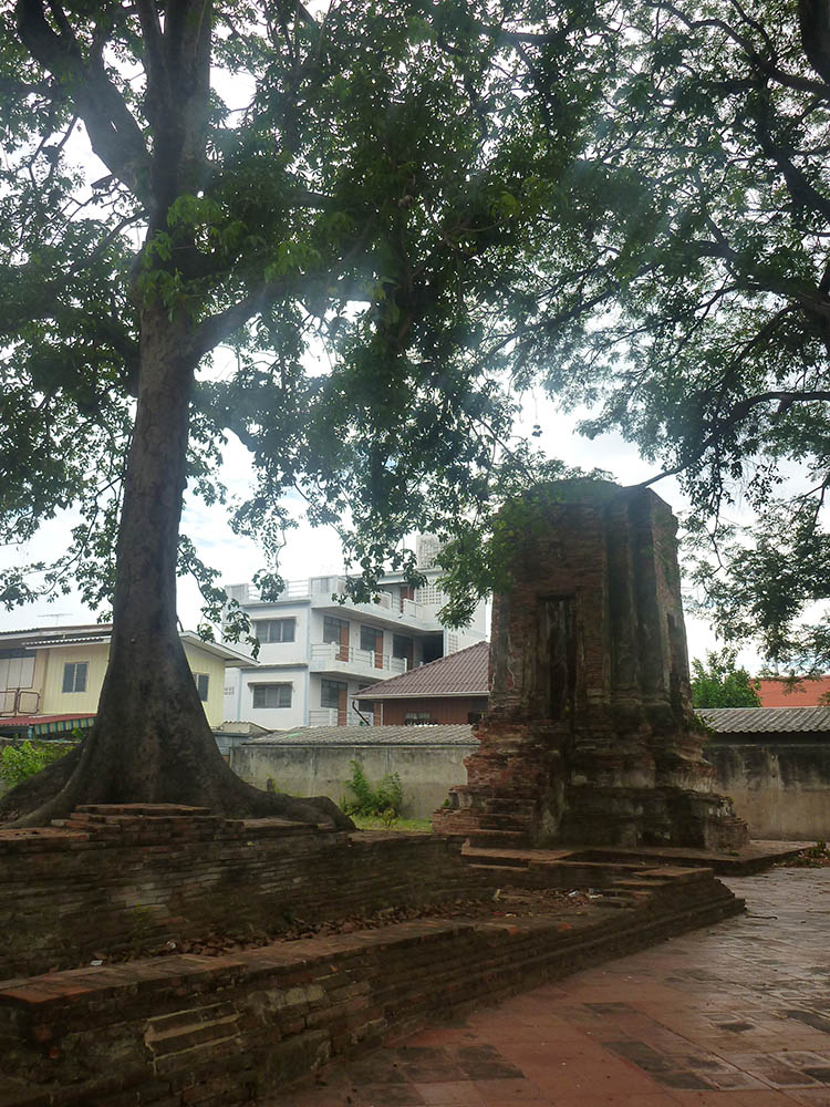 ayutthaya-small-ruin