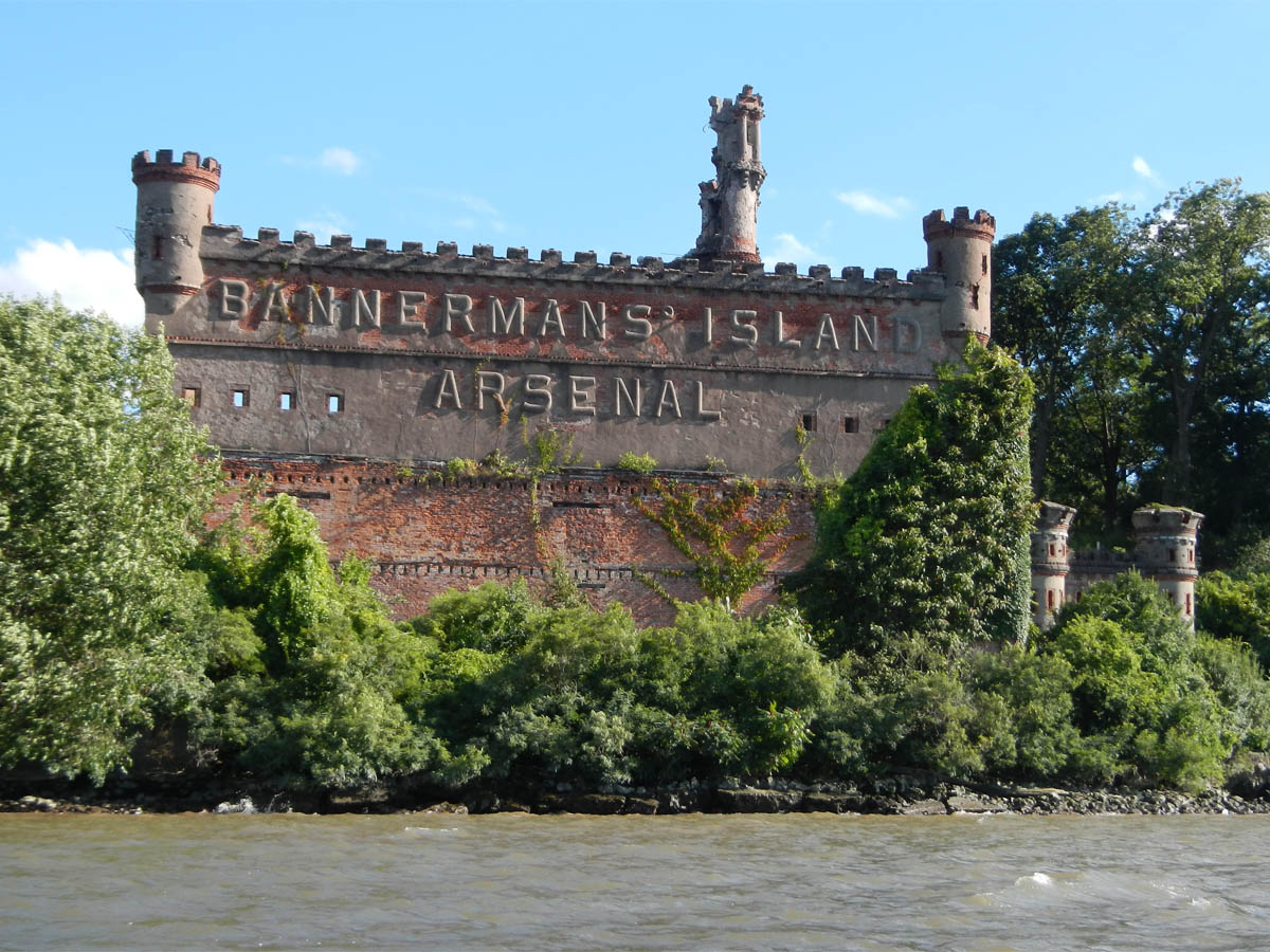 The Castle On Bannerman S Island Head First
